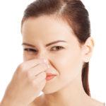 Как избавиться от запаха из интимной зоны?